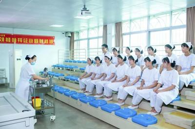 报考护士资格考试必须是护理专业才可以吗?